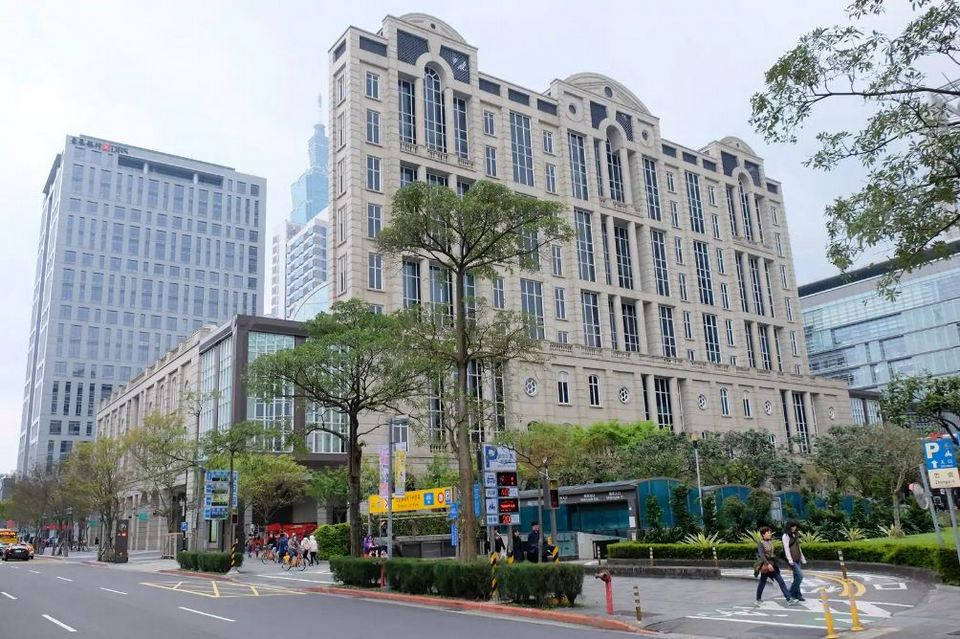 new taipei city hall,best places to go in taipei,where to go in taipei,best places to visit in taipei,top places to visit in taipei (1)