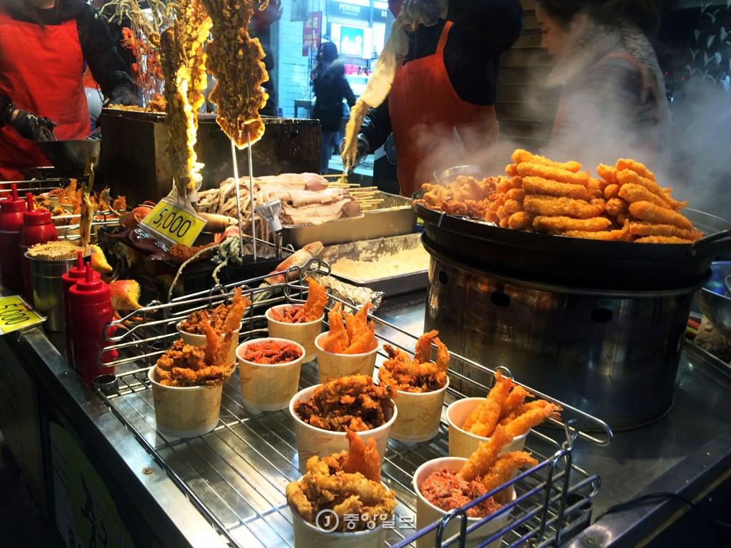 myeongdong food blog,myeongdong food guide,myeongdong must eat,myeongdong street food,what to eat in myeongdong