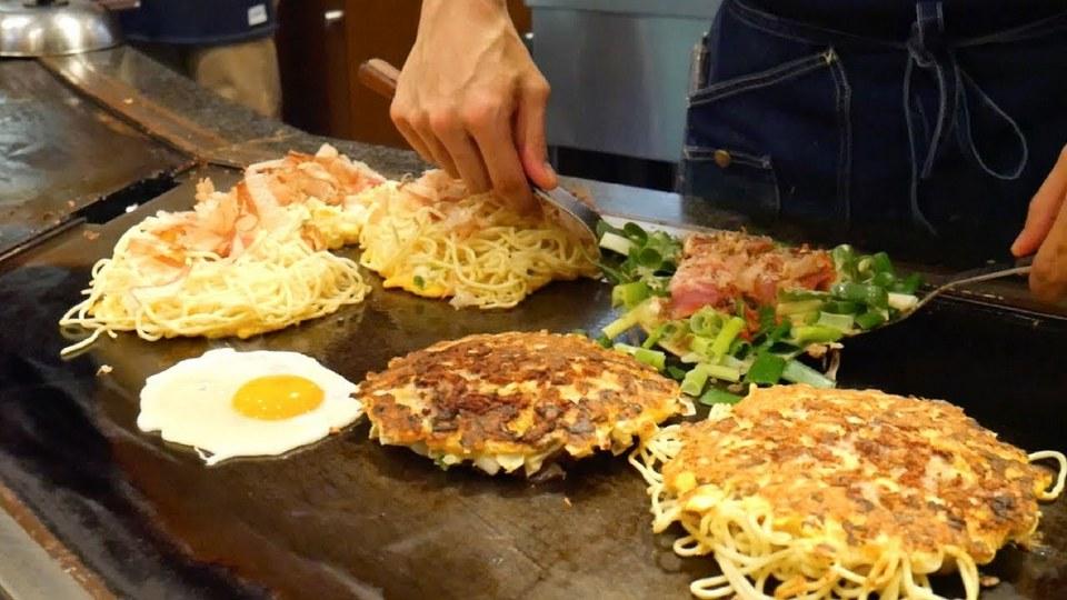 making onomiyaki