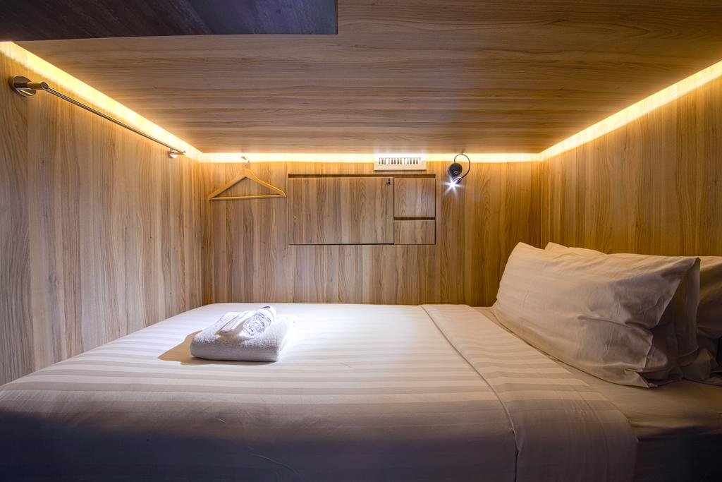 CUBE Boutique Capsule Hotel,places to stay in singapore cheap,where to stay in singapore cheap,where to stay in singapore on a budget (1)