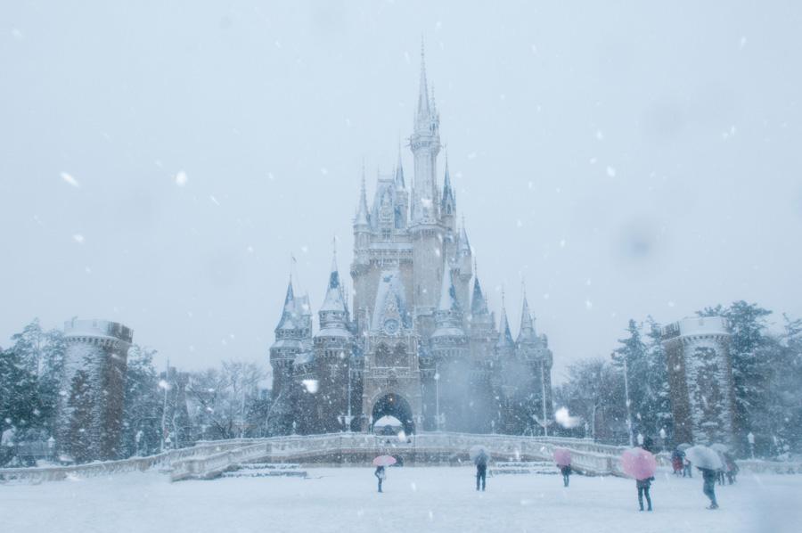 Snow tokyo disneyland