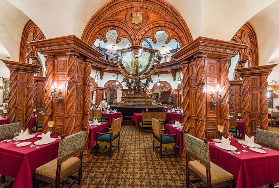 The beautiful, luxurious Magellan's restaurant at DisneySea park.