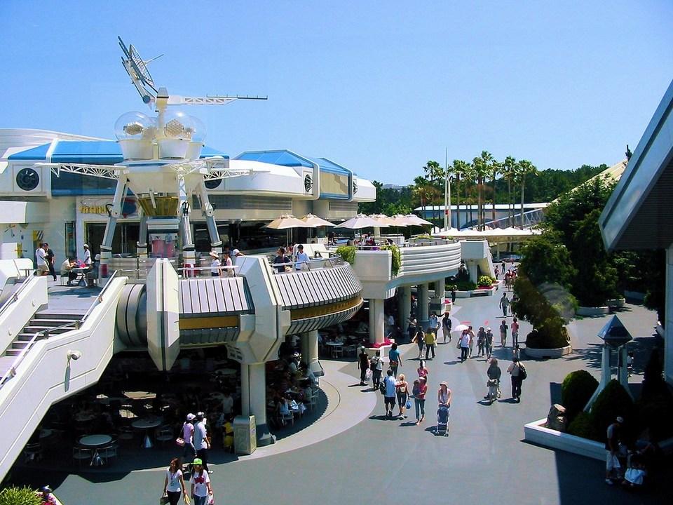 Tokyo-Disneyland-Tomorrowland