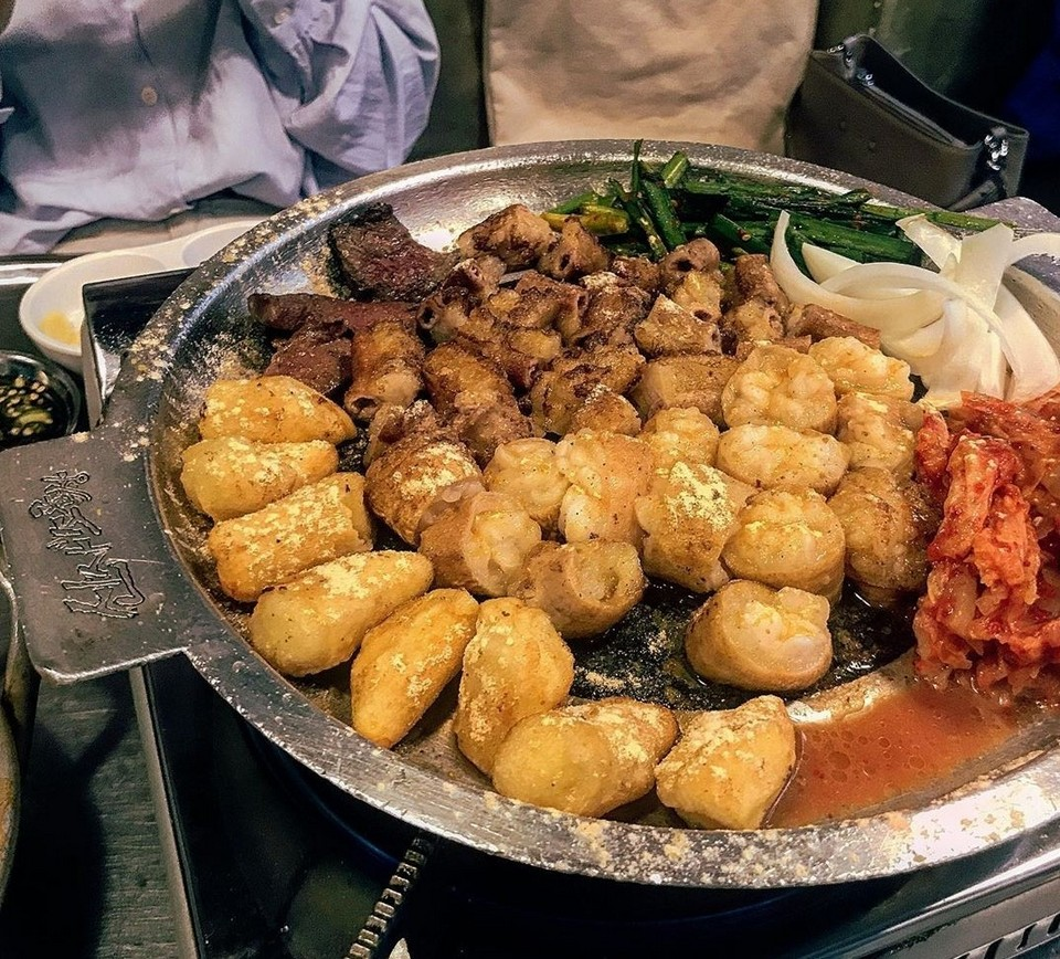 best street food area in seoul,where to eat korean street food in seoul,where to eat street food in seoul