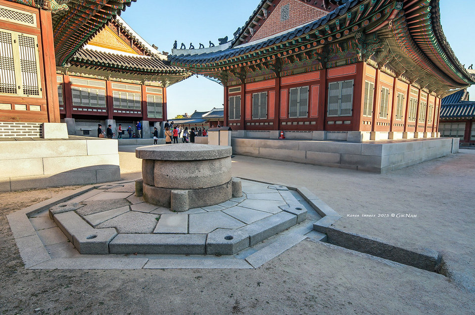 Gangnyeongjeon Hall,5 grand palaces in seoul,5 palaces in seoul,5 palaces seoul,five grand palaces in seoul (1)