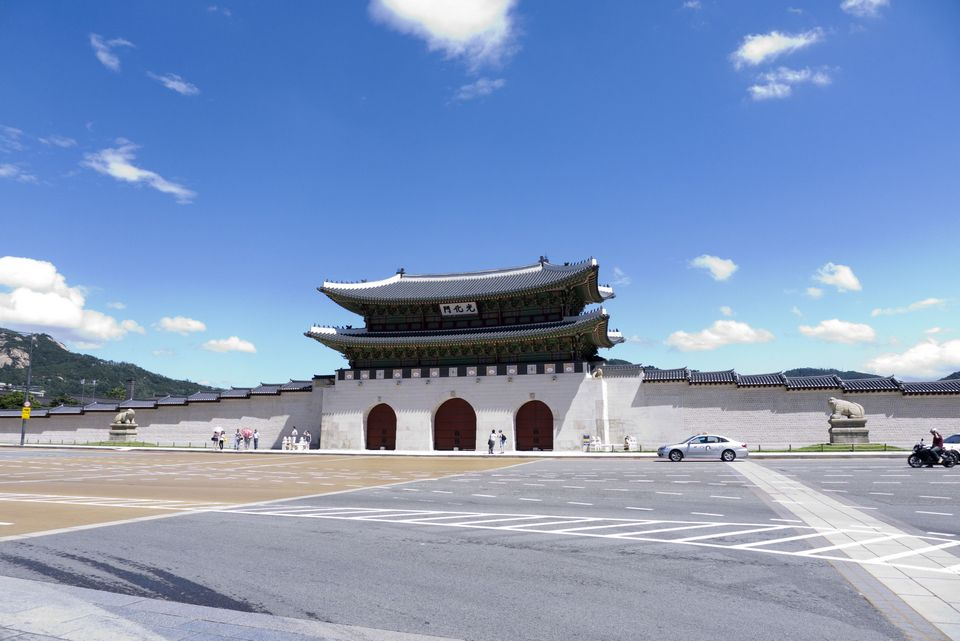 Gwanghwamun_gate,5 grand palaces in seoul,5 palaces in seoul,5 palaces seoul,five grand palaces in seoul (1)