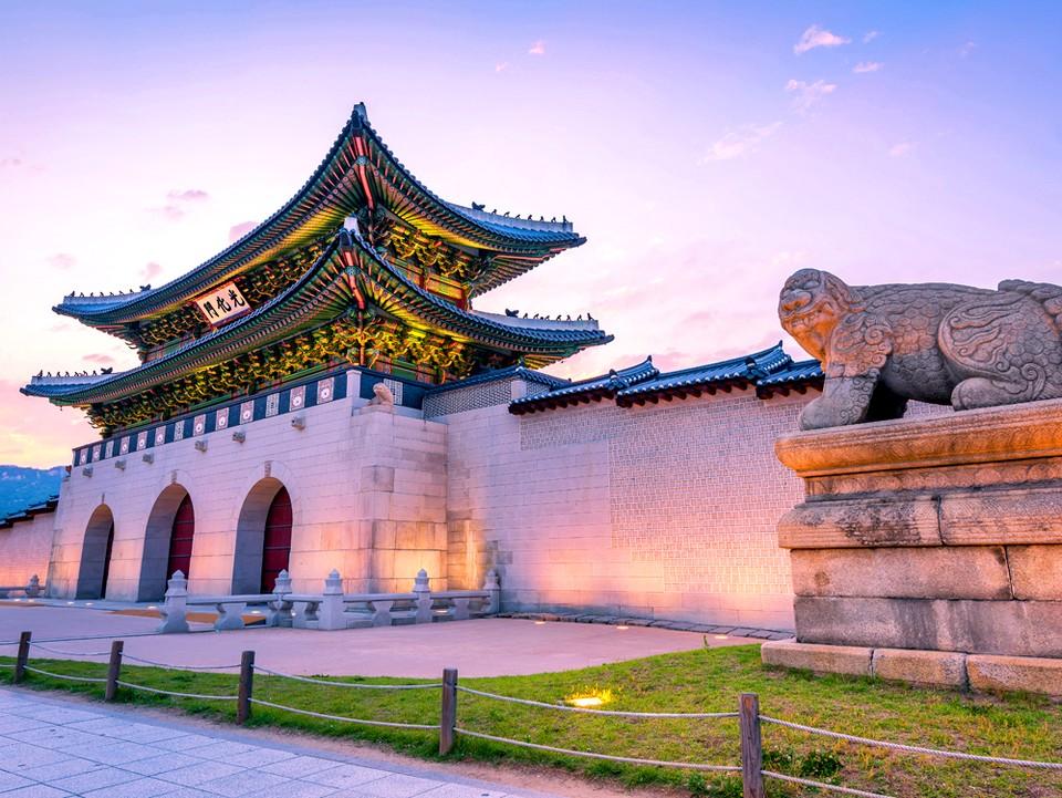 Gwanghwamun_gate,5 grand palaces in seoul,5 palaces in seoul,5 palaces seoul,five grand palaces in seoul (1)