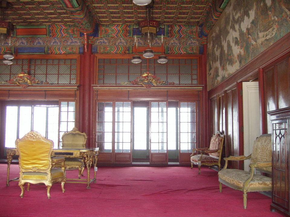 Huijeongdang_(interior),_Changdeokgung_-_Seoul,_Korea