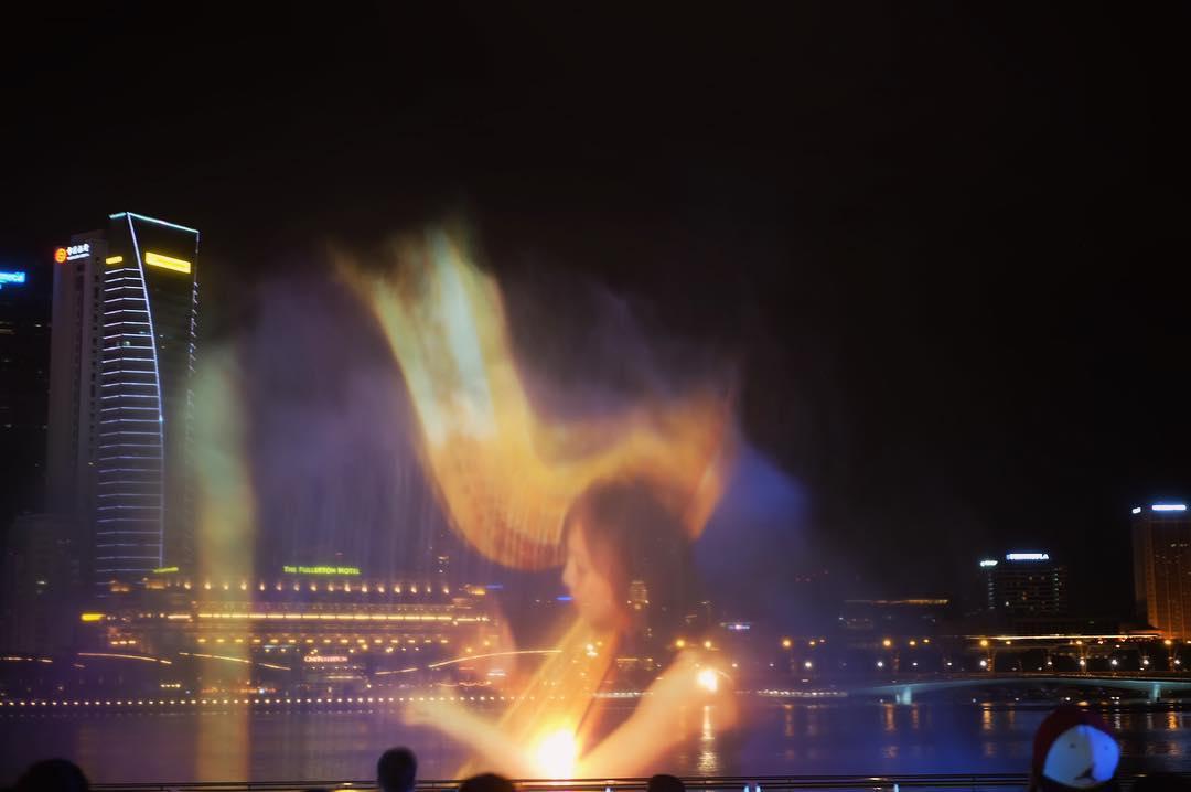marina bay sand light show (1)