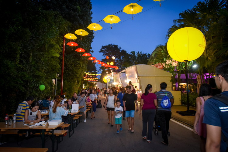 sentosa nightlife,what to do in sg at night,what to do in singapore at night,what to do at singapore at night (1)