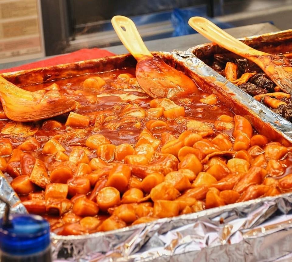 Tteokbokki (Spicy Rice Cakes) stall