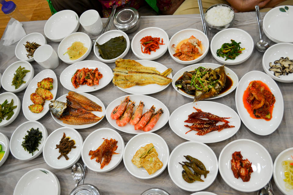 a full meal of Korean traditional cuisine