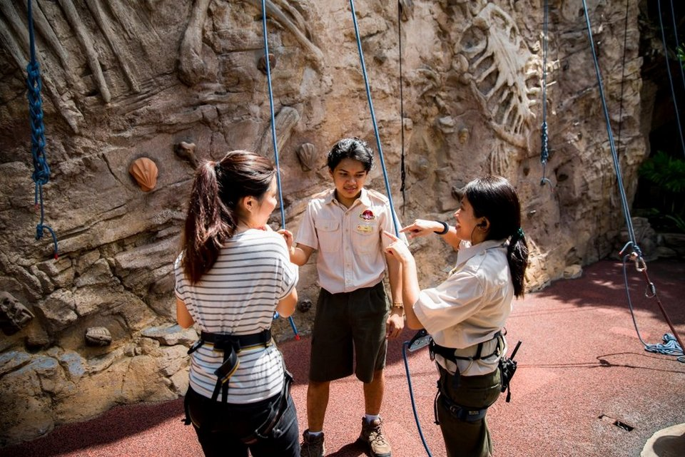 Amber Rock Climb,best rides in universal studios singapore,must try rides in universal studios singapore (1)