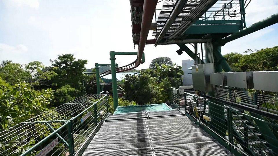 Canopy Flyer universal studios singapore (1)