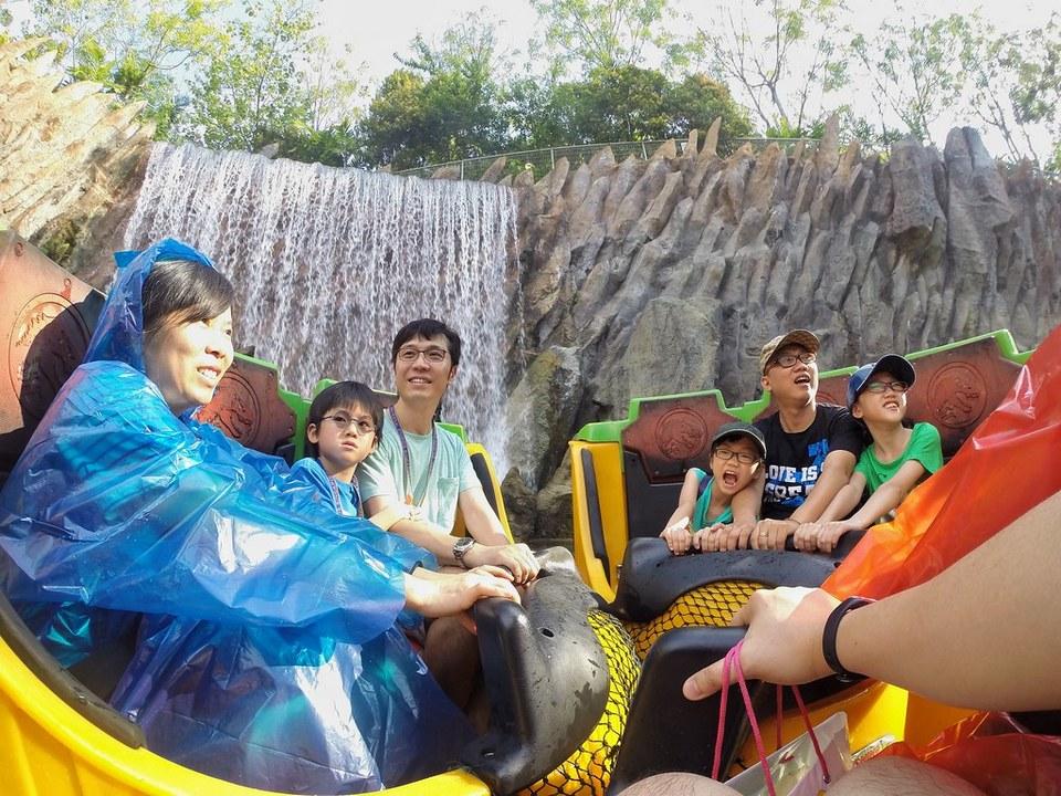 jurassic park rapids adventure uss (1)
