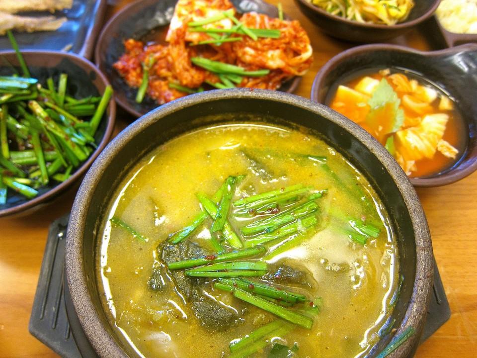 Chueotang (Mudfish (Loach) Soup) (1)