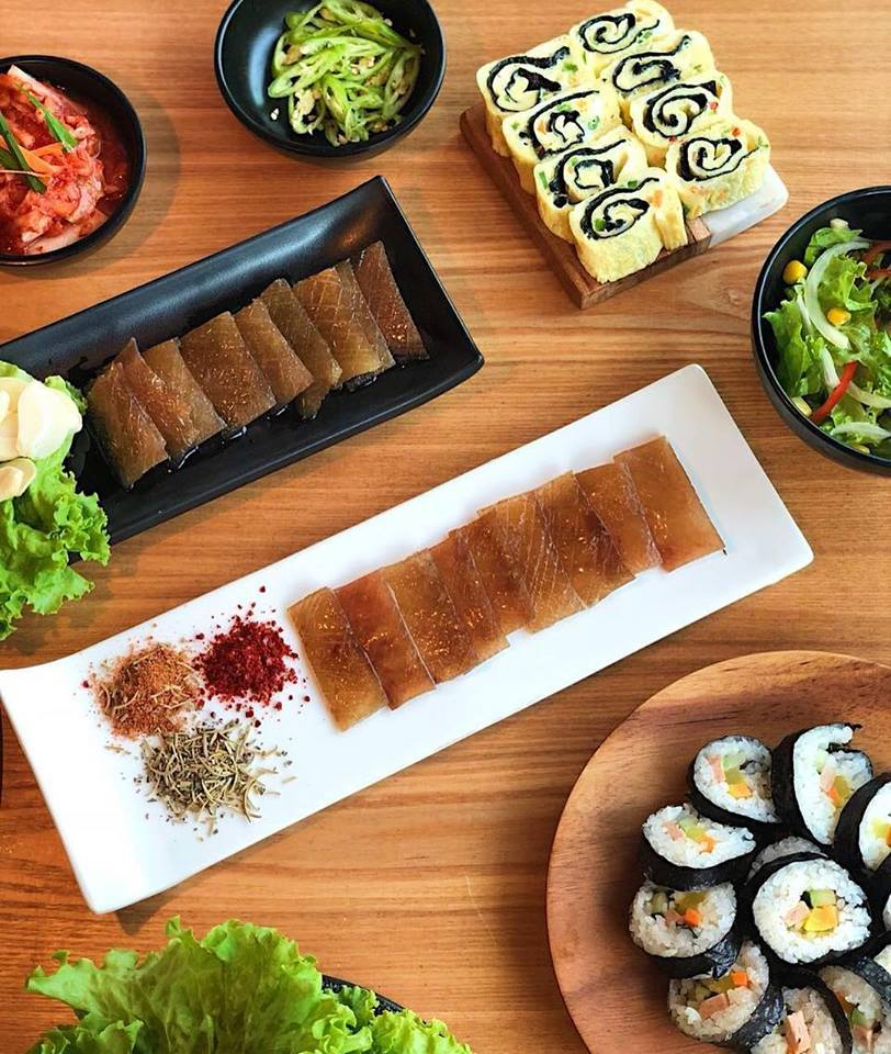 Dwaeji Ggupdaegi (Grilled pig skin),strange food in korea,korean exotic food,weird korean food,korean strange food