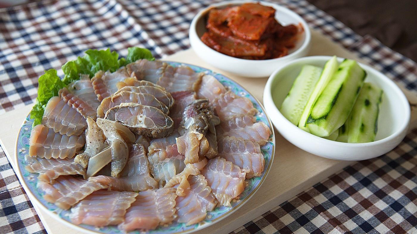 Hongeo (Fermented skate) korea (1)