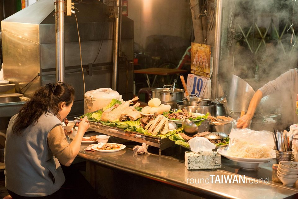 Kaohsiung_Ziqiang_Night_Market_________-001