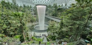 jewel changi airport review