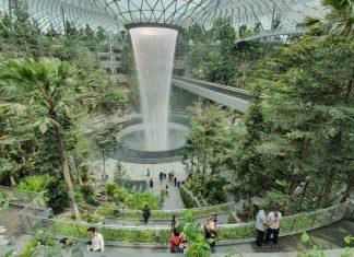jewel changi airport review