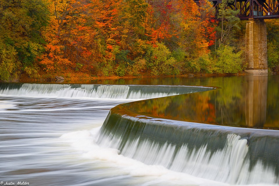Kusaki Dam Lake autumn (1)