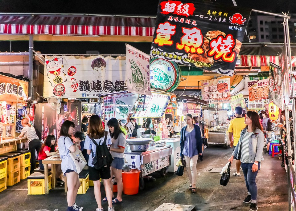 night market,things to do in kaohsiung at night,what to do in kaohsiung at night,nightlife kaohsiung