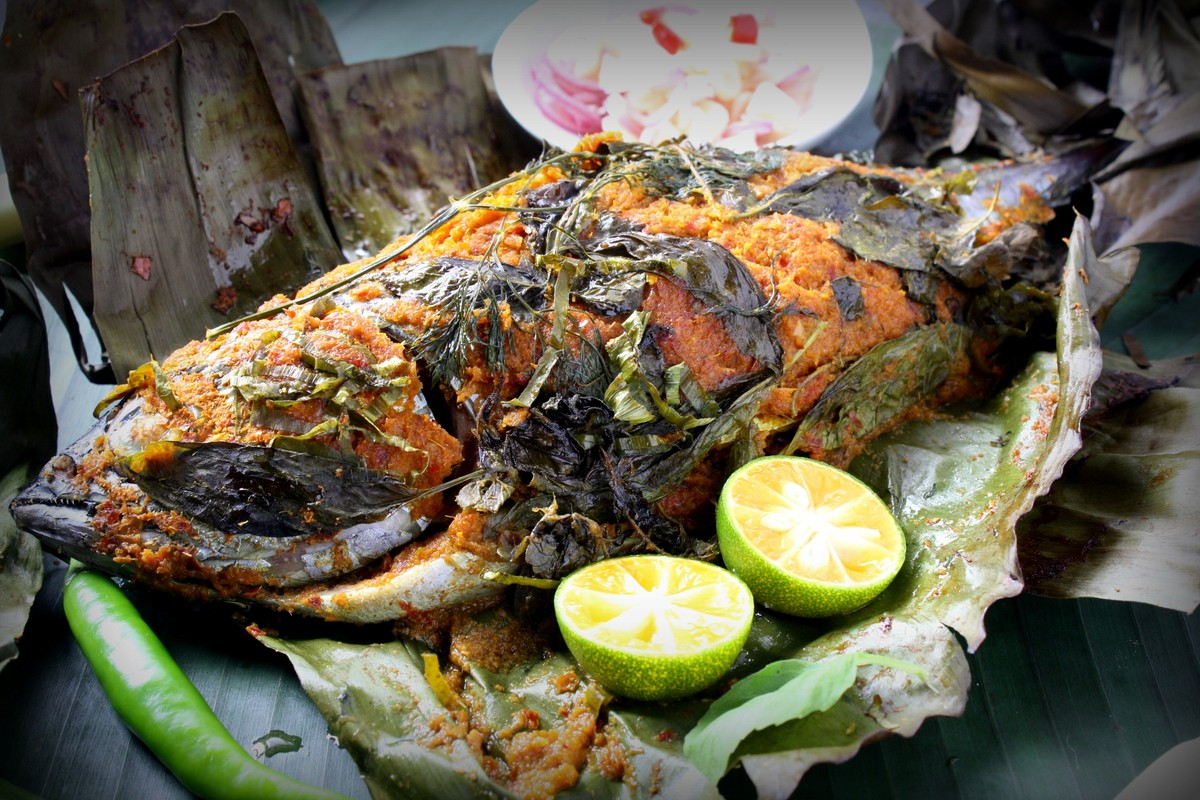 Ikan Bakar grilled fish with mainly spicy.