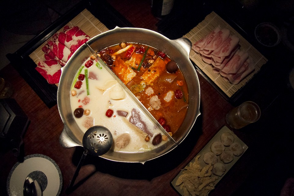 Twin-Side Hot Pot (Couples hot pot) at Wu Lao Guo (1)