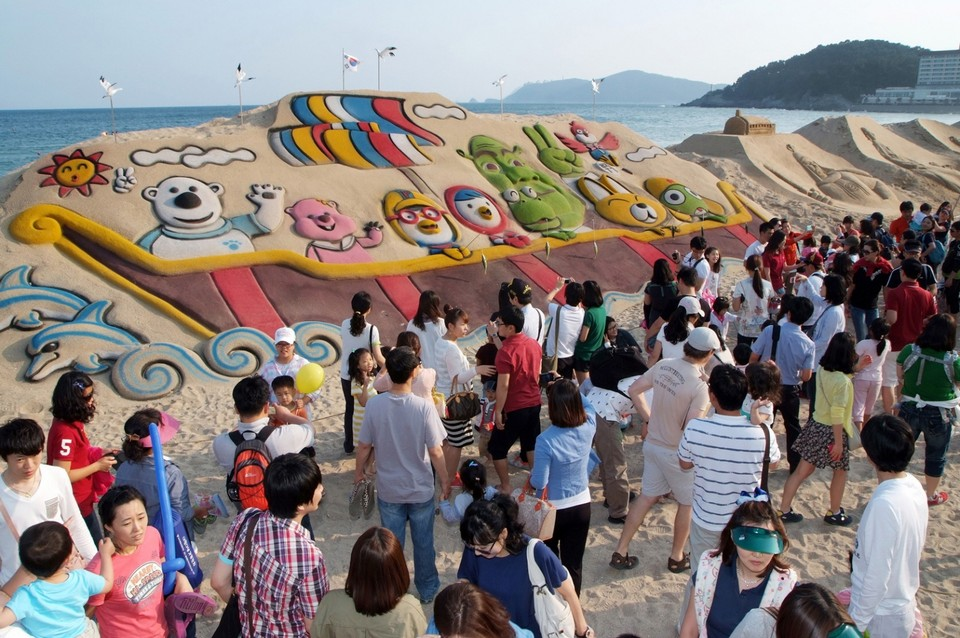Haeundae beach busan best places to visit in busan korea (1)