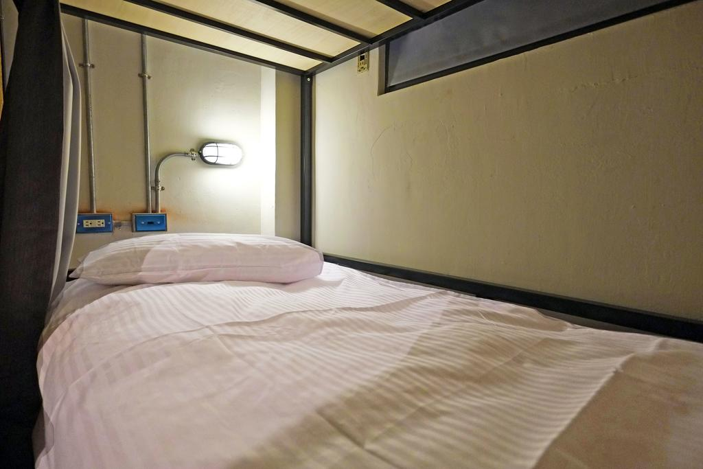 Budget hotel in Taichung Taiwan Park Hostel (1)