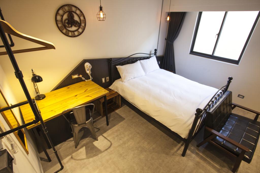 Cheap hotel in Taichung Yizhong Loft Hostel (1)