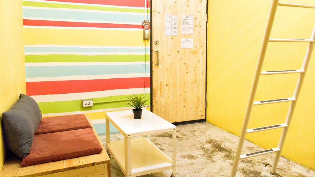 Cheapest hotel in Taichung Taiwan Lane 62 Hostel (1)