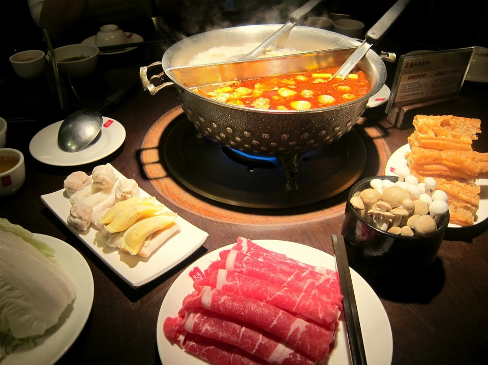 Taichung best restaurants Ding Wang Spicy Hotpot (1)