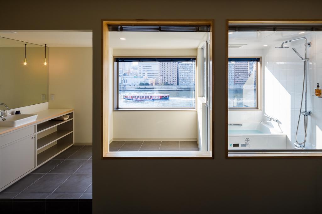 Best minimalist hotel Tokyo The Share Hotels Lyuro Tokyo (1)