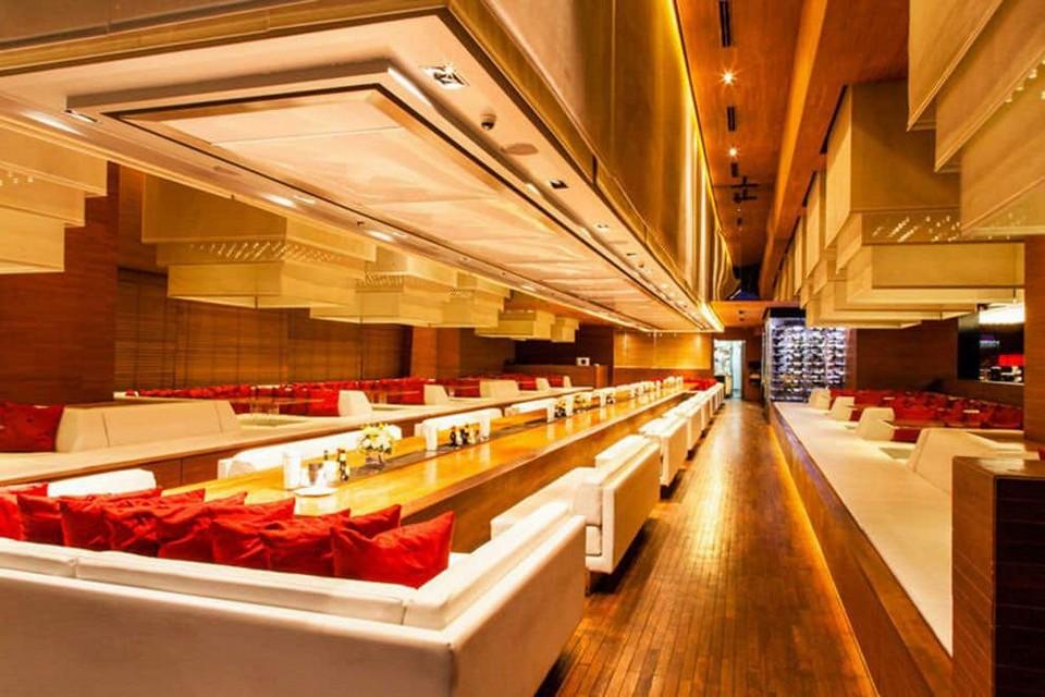 Famous sky bar in Bangkok Long Table (1)
