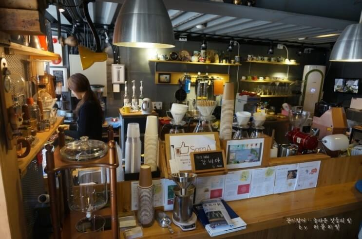 seoul theme cafe | themed cafes in seoul