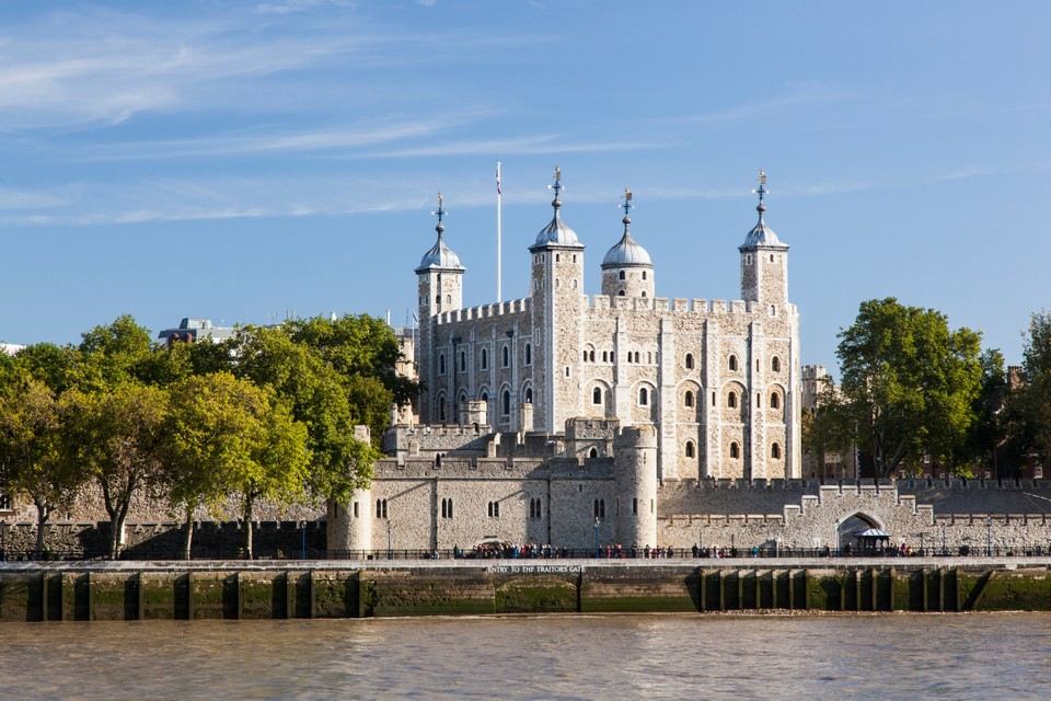 Best places to visit in London Tower of London (1)
