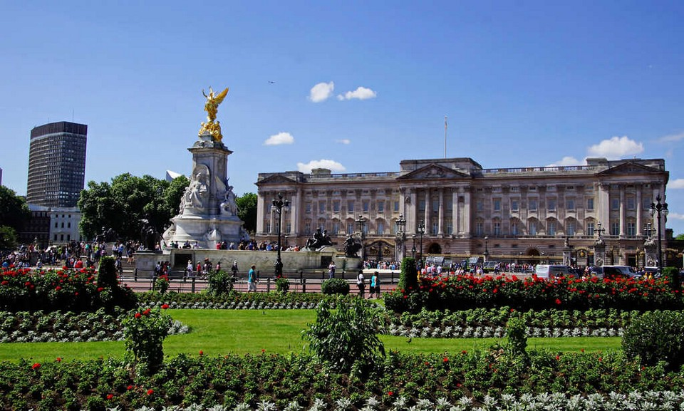 Where should I go in London Buckingham Palace (1)