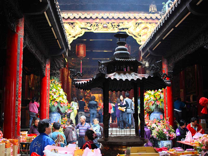 Best places to visit in Taichung Dajia Jenn Lann Temple (1)