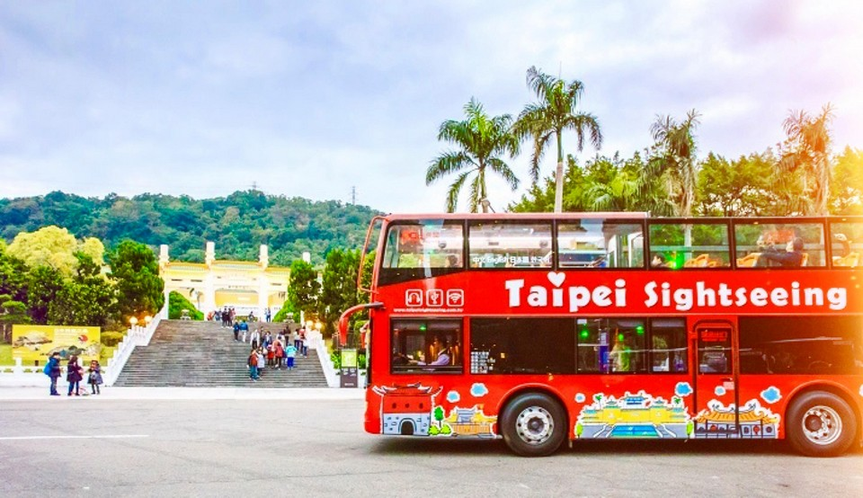 | taipei hop on hop off bus review