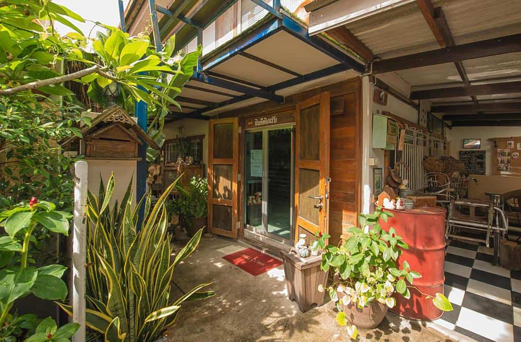 Best hostels in Bangkok Thailand Sud Soi Guest House (1)
