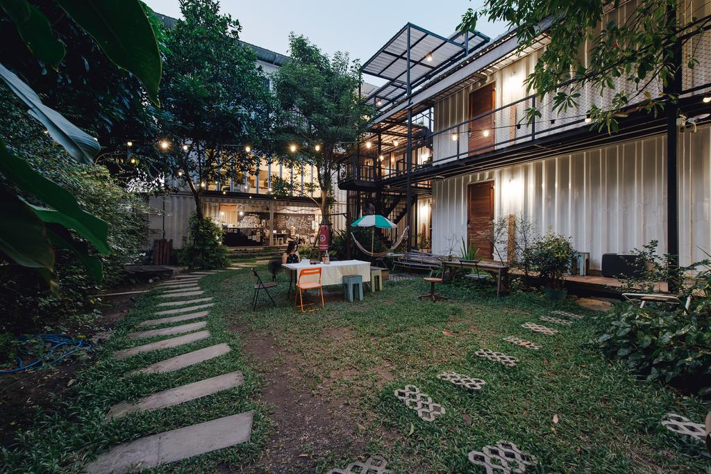 Best hostels in Bangkok for solo travellers The Yard Hostel Bangkok (1)