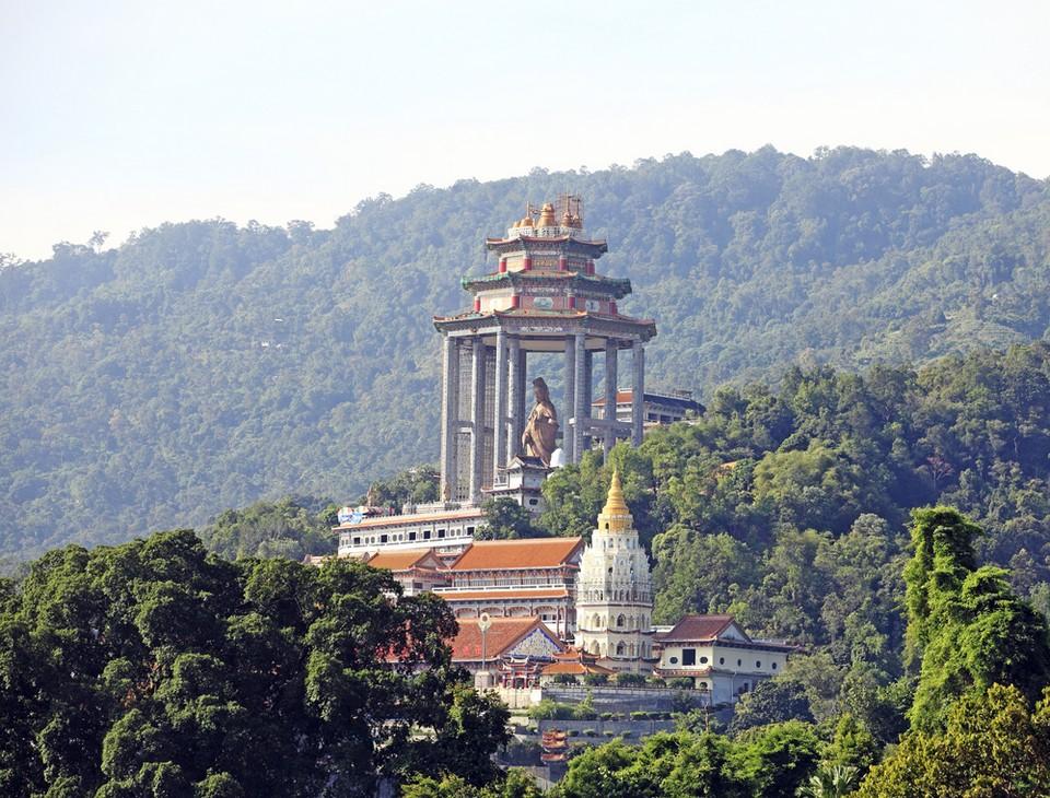 You can see panoramic Penang from Kek Lok Si temple.