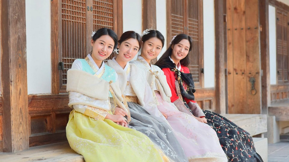 try hanbok in insadong