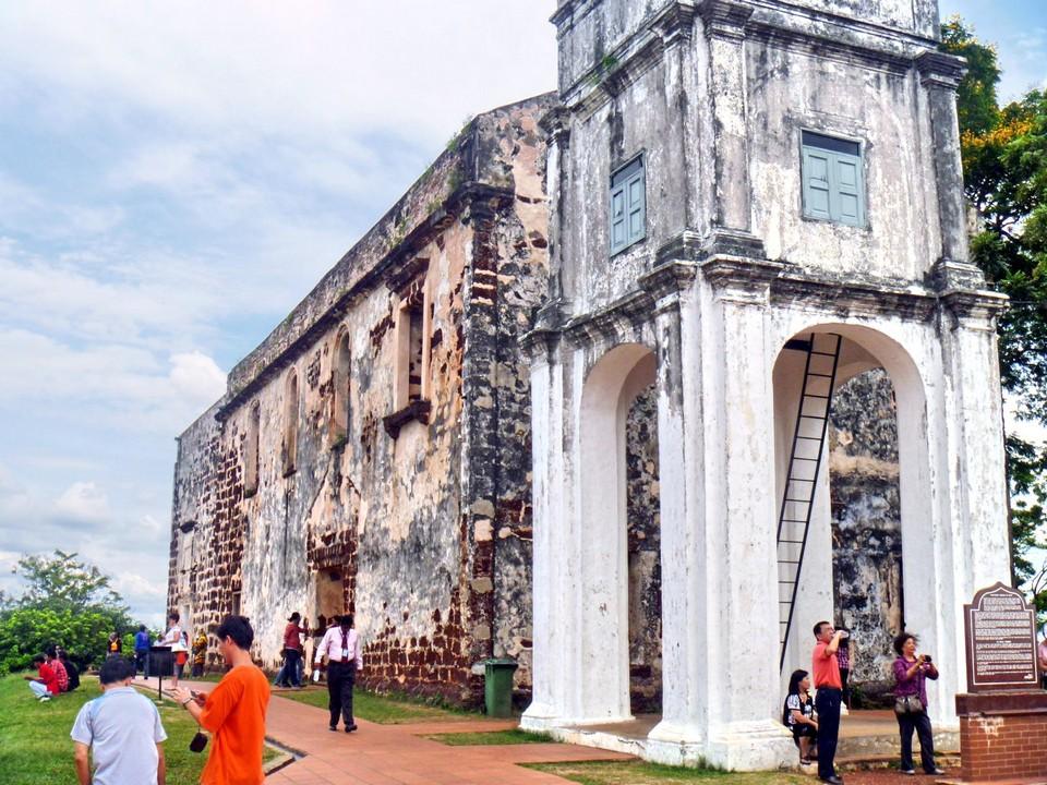 Malacca itinerary 1 day St. Paul's Hill & Church (Bukit St. Paul) (4)