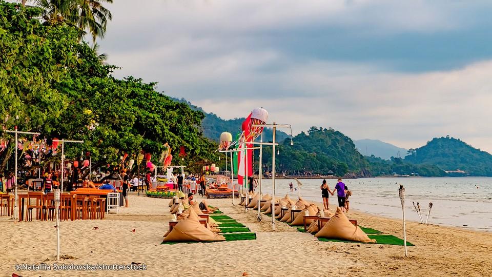 Top beaches in Thailand White Sand Beach — Koh Chang (1)