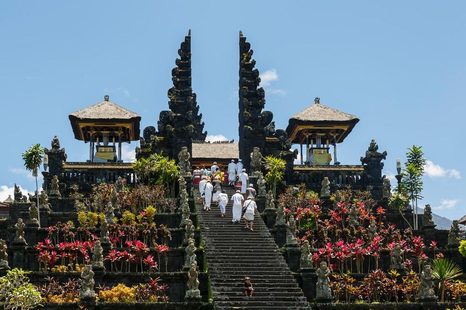 29221728-pura-besakih-temple-bali-indonesia