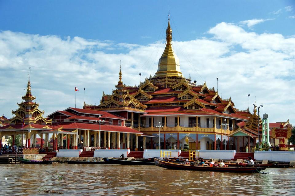 Phaung Daw oo temple