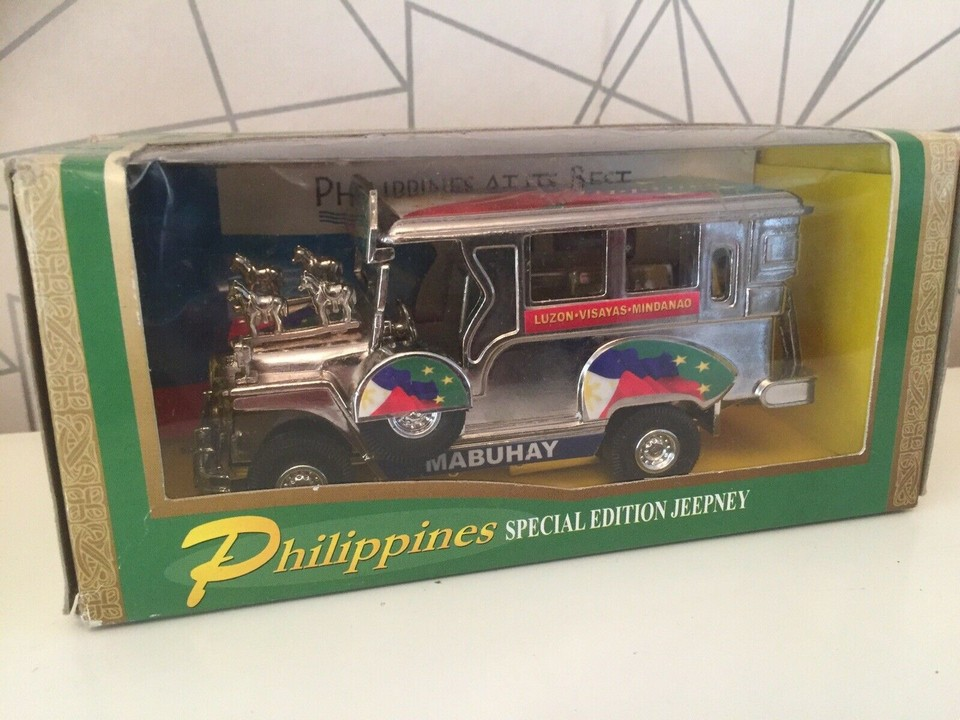 Famous things to buy in Philippines Jeepney model (2)